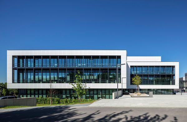 Budynek w stylu high-tech