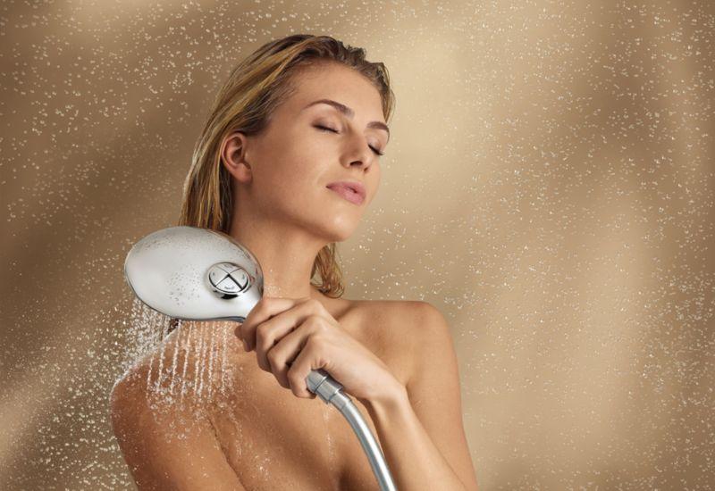 как принять с девушкой душ